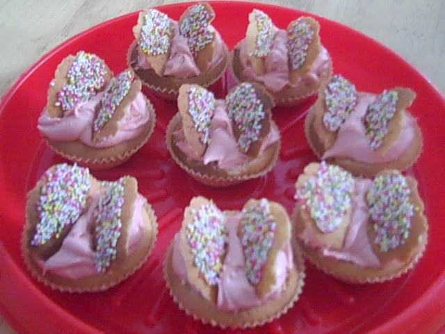 Butterfly Cakes With Jam And Cream