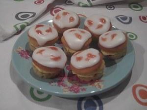 Mini Victoria Sandwich Cakes 4