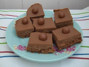 Malteser & Mars Bar Slice 1